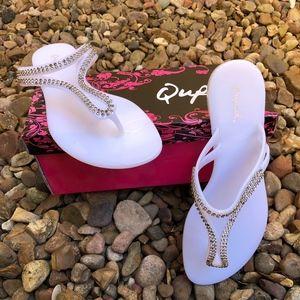NEW!! Qupid White Jelly Rhinestone Sandals